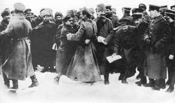 Fraternization between Russian and German soldiers on the Eastern Front