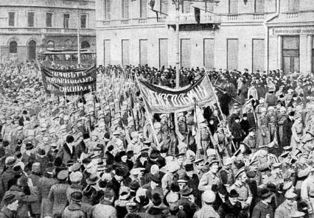 Soldiers marching through Petrograd in support of the Revolution